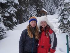Учасники зимової польової школи-семінар гірського ландшафтознавства: Рибчич Яна та Леськів Ліля